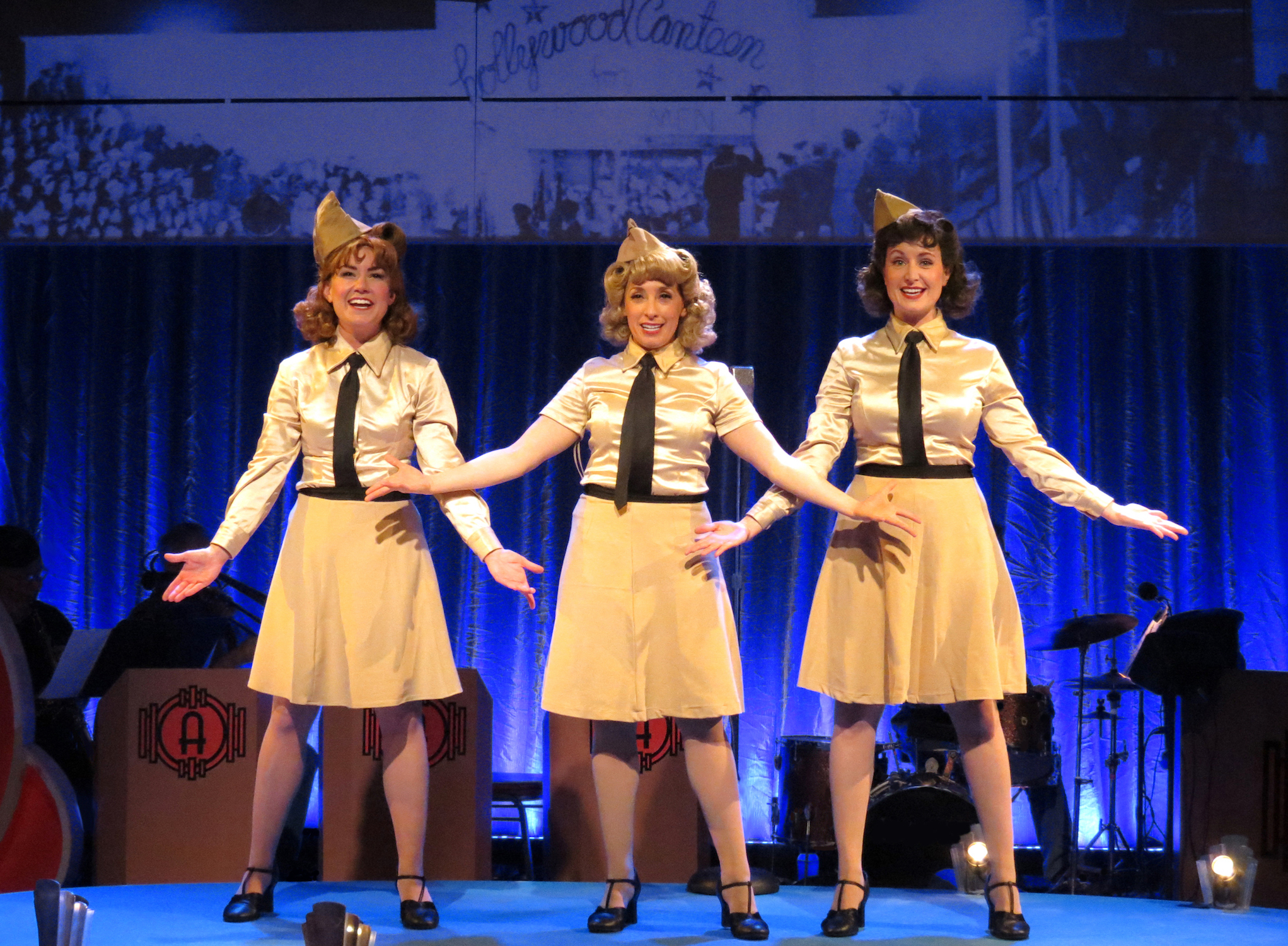 Andrews Sisters singing in movie with Katrina Kuntz, Ellen Kaye and Alison Mueller - SISTERS OF SWING - THAC 2018 - photo Becky Toma - POST
